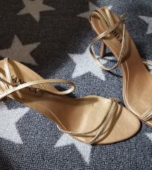 Zlatne sandale (nenošene)