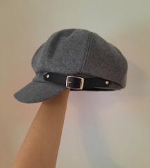Siva kapa s remenom/ Paperboy hat