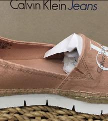 Nove Calvin Klein espadrile