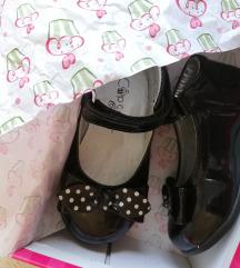 Nove svečane cipelice, br. 20