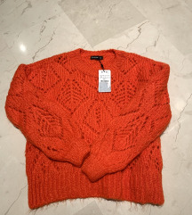 novi stradivarius pulover