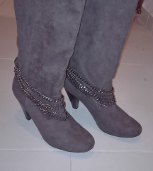 Čizme Zara. na petu novo