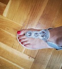 Dva puta nošene sandale 38