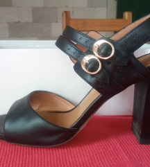 Crne kožne sandale