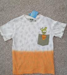 Majica s etiketom 98