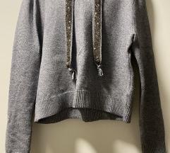 Zara pletena duksa