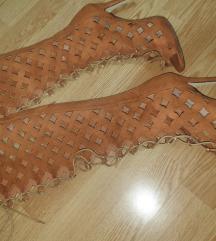 Sandale ko cizme