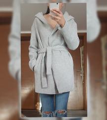 Atmosphere sivi kaput