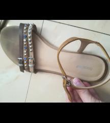 Sandale s remenčićima