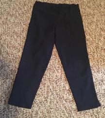 Ženske hlače ugodnog materijala