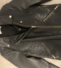 %% Naf Naf crna kožna jakna dvaput nošena