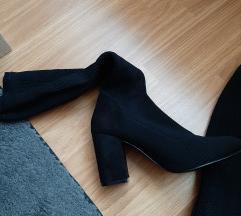 Nove čizme na čarapu