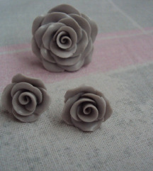 Prsten i naušnice ruža