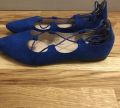 Nove plave balerinke na vezanje