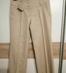 nove svjetle hlače