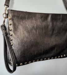 Mala tamno siva torbica (Carpisa)