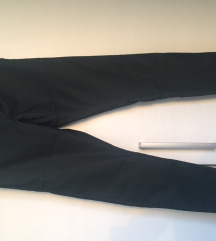 H&M crne traperice vel. 36 S skiny fit