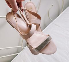 🖤 NOVE sandale 40