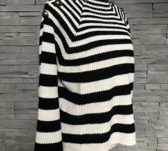 Prugasti široki pulover