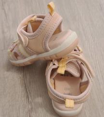 Nove H&M sandalice