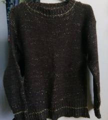 Smeđi pulover sa zlatnim nitima