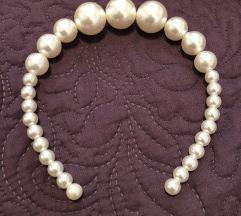 Obruc za kosu s perlama / rajf
