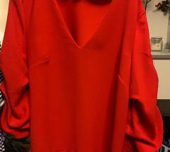 H&M crvena bluza, nagužvanih rukava