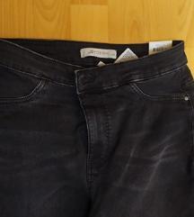 hlače, veličina M, S ETIKETOM