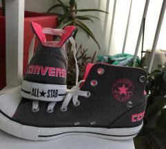 Tenisice Converse All Star nosive na dva načina