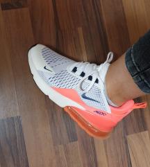 SNIZENI Nike air max 270
