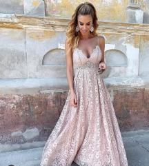 duga čipkasta haljina