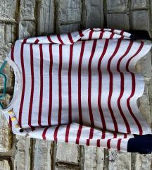 Majica sa botunima