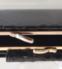 Crni vintage novčanik od zmijske kože