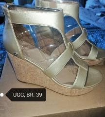 Ugg sandale, Zamjena NE!