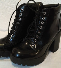 Crne gležnjače, novo (block heel)