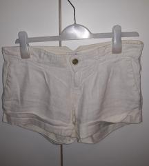 Kratke lanene bijele hlače