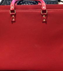 Crvena velika torba