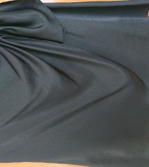 Elegantna crna suknja