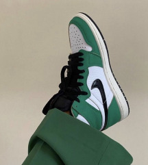 Air jordan lucky green 36,5.