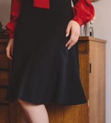 Zvonasta crna suknja