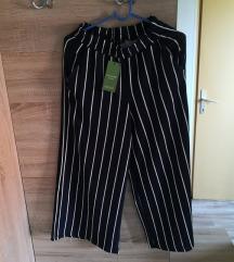 široke hlače Reserved