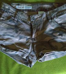 Kratke vojničke hlače
