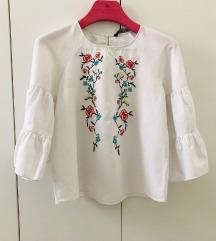 Zara bijela izvezena bluza majica volani