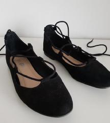 Crne balerinke na vezanje broj 37