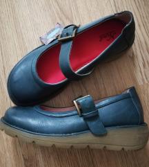 Nove cipele Nina... 37