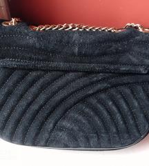 Zara crna kožna torbica