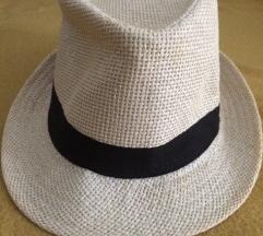 Ljetni panama šešir