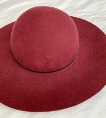Burgundy Asos vuneni šešir