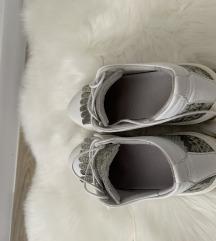 Cipele s uzorkom