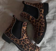 Čizmice s uzorkom leoparda